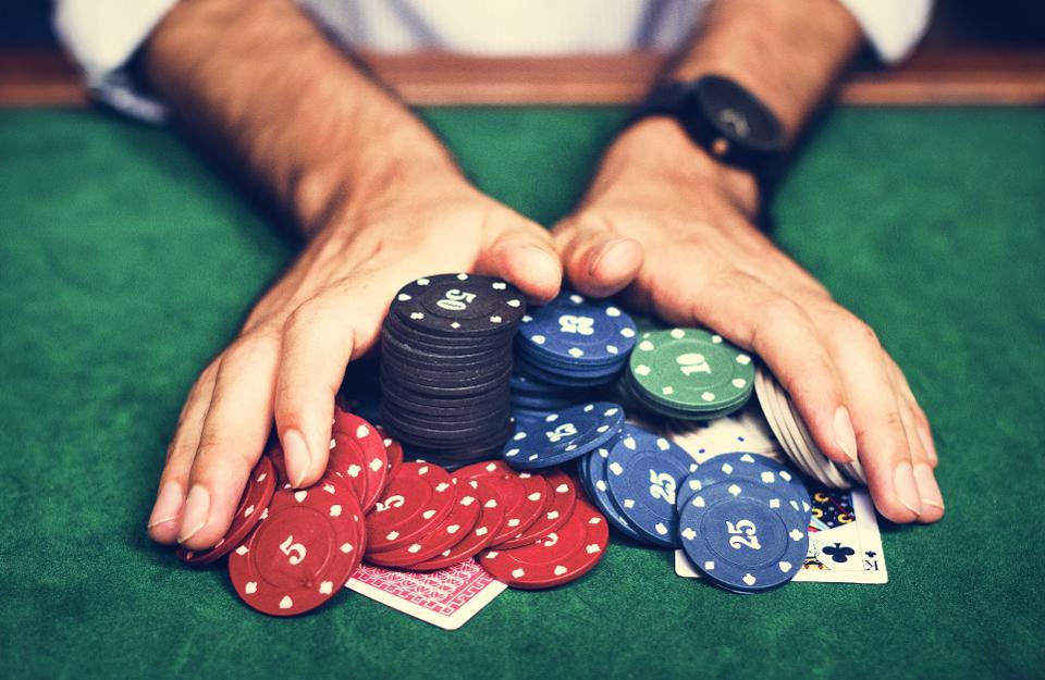 Cara Menang Bermain Judi Poker: Semuanya tentang Keputusan